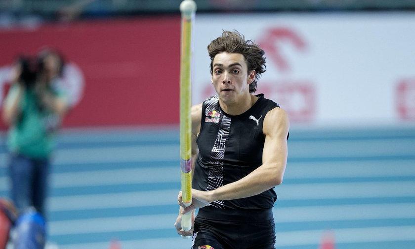 Armand Duplantis skoczył w Glasgow 6,18