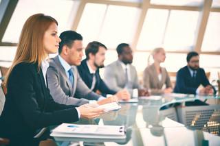 Obowiązkowe szkolenia dla pracowników centrów usług społecznych