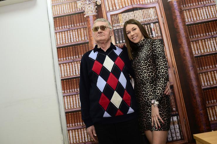 """VEČERAS ULAZE U """"PAROVE"""" Milijana (21) i Milojko (74) spremni za rijaliti, ali zbog jedne stvari su UPLAŠENI"""
