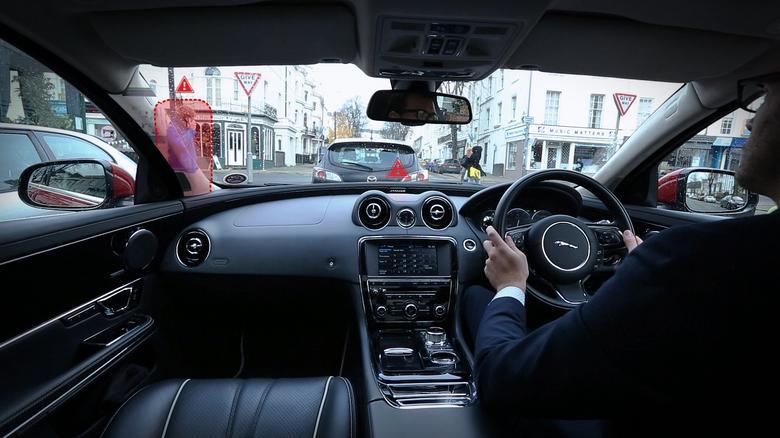 Przezroczyste słupki w Jaguarze