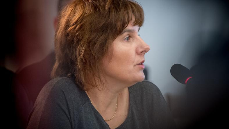 Magda Brzeska podczas przesłuchania przed komisją reprywatyzacyjną