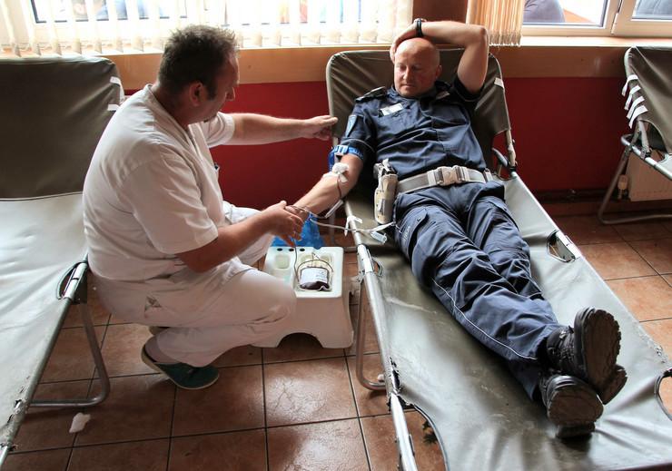 Kragujevac_Davanje krvi u BILBIOTECI KOD MILUTINA_030518_RAS foto Nebojsa Raus