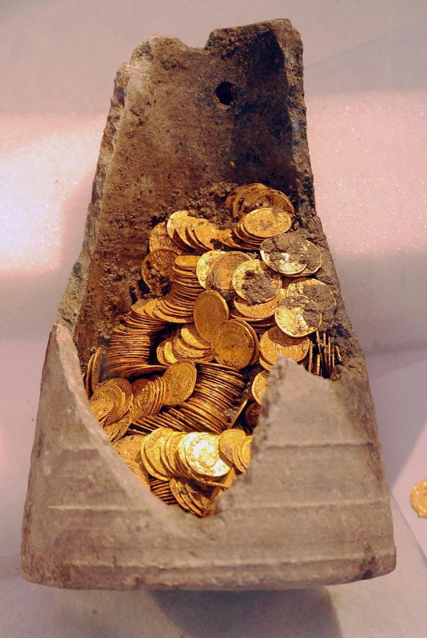 Niecodzienne znalezisko we Włoszech. Odkryto 300 złotych monet