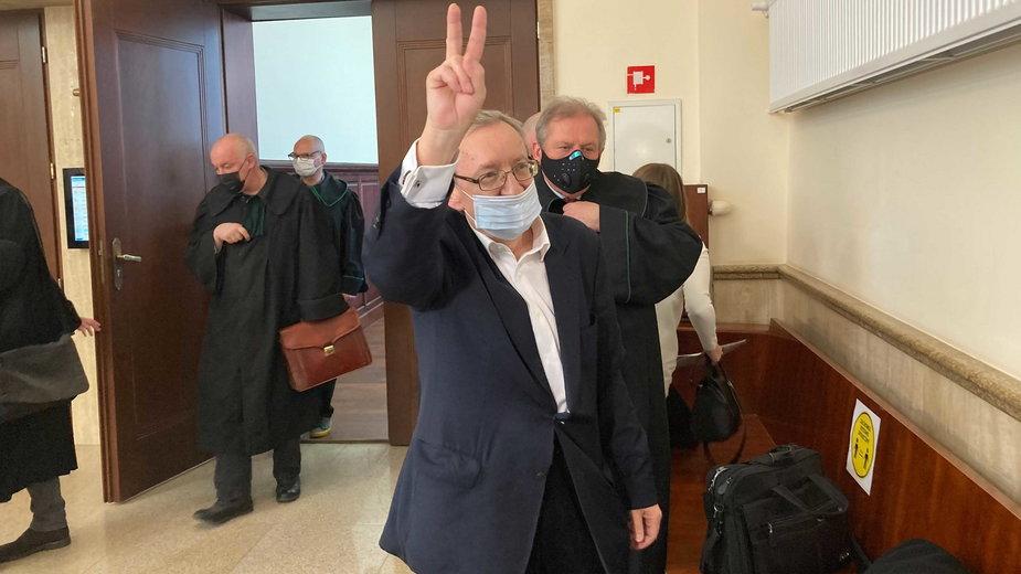 Józef Pinior po wyjściu z sali rozpraw: jestem niewinny