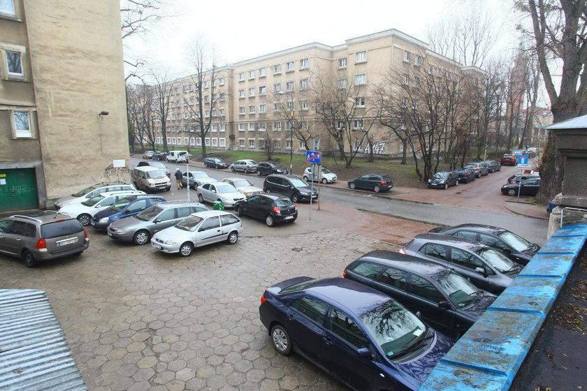 Burmistrz walczy o parkingi