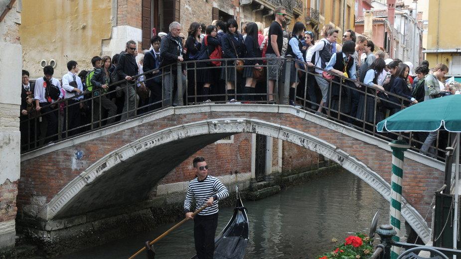 Tłum turystów w Wenecji
