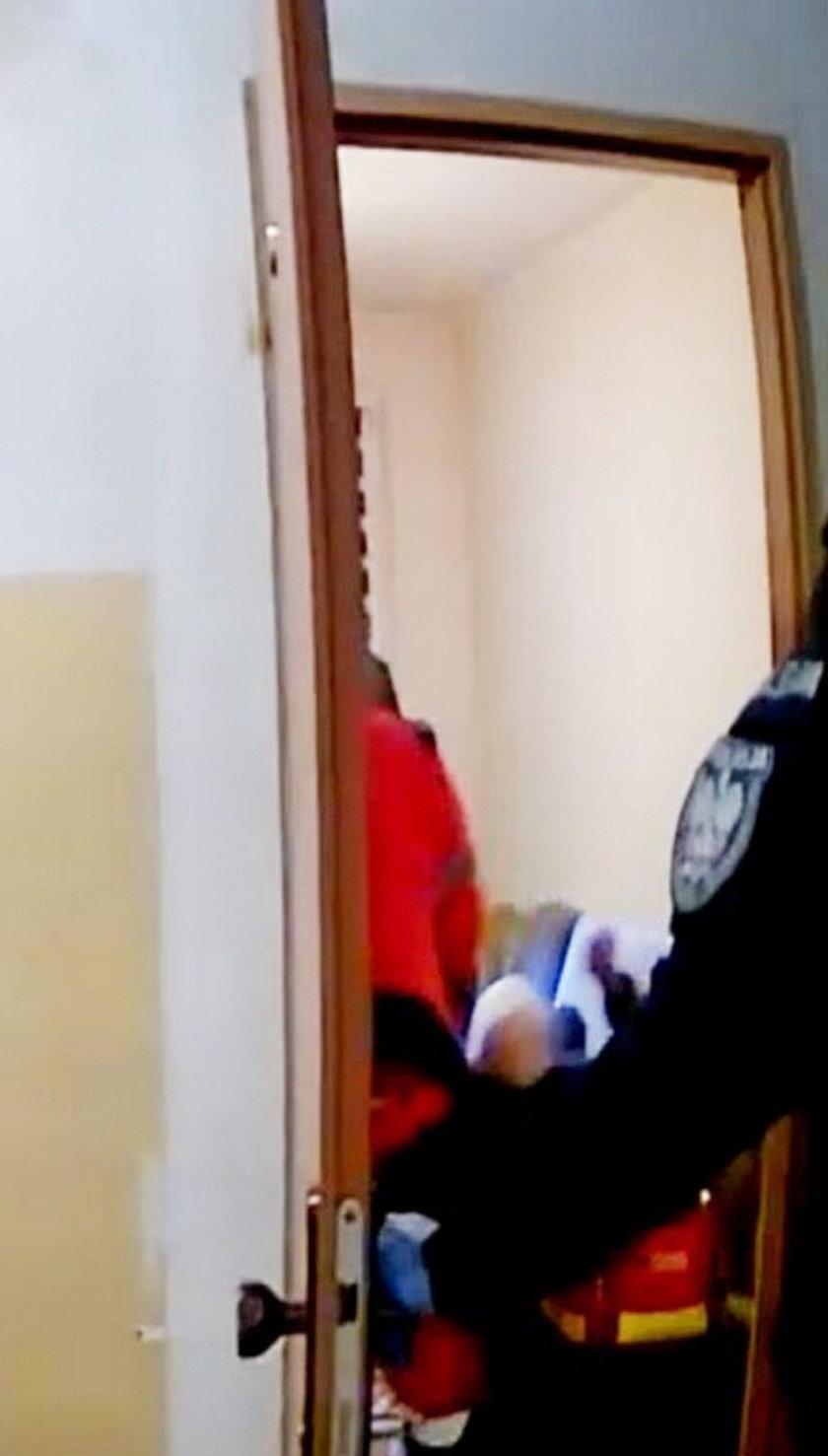 Policja stała bezczynnie
