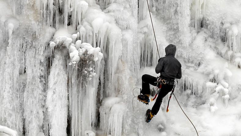 Kielecki lodospad jest jednym z nielicznych w Polsce i prawdopodobnie jedynym stworzonym na naturalnym zboczu z myślą o rekreacyjnej wspinaczce po lodzie. Stał się już też widowiskową atrakcją dla mieszkańców Kielc i turystów oglądających rezerwat Kadzielnia zimą.