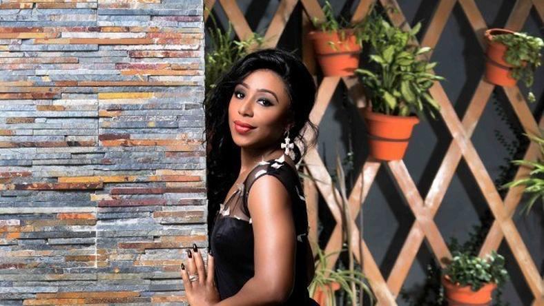 Dakore Akande is Tola in 'Fifty'