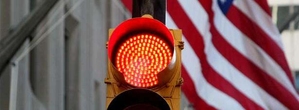 Wczorajszy start sesji na Wall Street nie zapowiadał jakiegoś większego ruchu, chociaż zachęcały nastroje płynące ze starego kontynentu, gdyż tamtejsza sesja zakończyła się w kilku przypadkach wzrostami powyżej 1%.