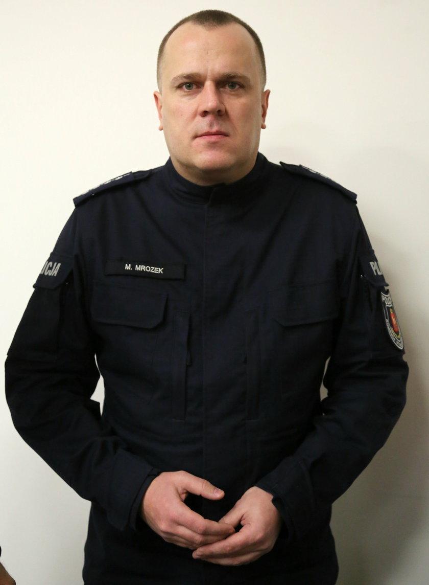 aspirant sztabowy Mariusz Mrozek z KSP: