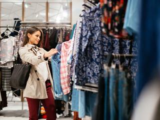 Koniec odzieżowych ściem. UOKiK karze firmy za podanie błędnego składu ubrań