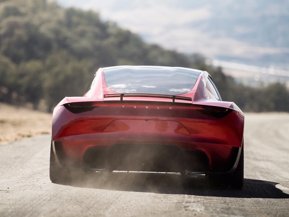 """""""To będzie najszybszy seryjnie produkowany samochód w historii"""" - zapowiedział Elon Musk"""