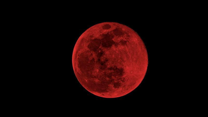 Krwawy Superksiężyc już w nocy z niedzieli na poniedziałek. Mamy się czego bać?