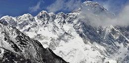 Odpadł kawałek Mount Everest? Sprzeczne doniesienia
