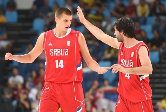 Nikola Jokić i Miloš Teodosić u dresu