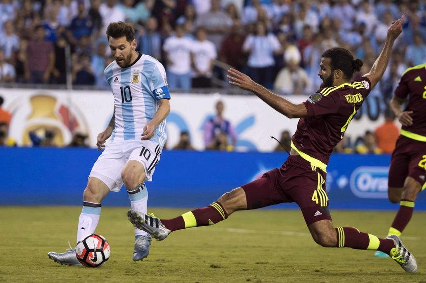 Lionel Messi spotkał się z kibicem. Fan płynął do gwiazdora ponad kilometr