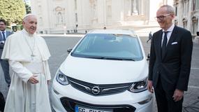 Opel Ampera-e w służbie papieskiej