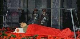 Pokazali ciało Kim Dzong Ila