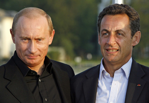Nicholas Sarkozy i Władimir Putin. Fot. Bloomberg