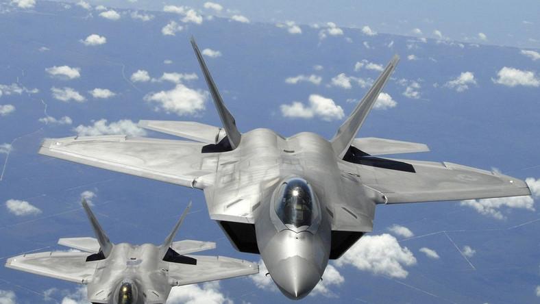 Mjr Gordon dodał, że w ciągu 7 miesięcy od wznowienia lotów myśliwców miało miejsce 11 przypadków anoksji, co jest bezprecedensową ilością w USAF