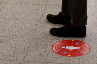 Hiszpania: Dyskoteki otwarte, ale nie można w nich tańczyć