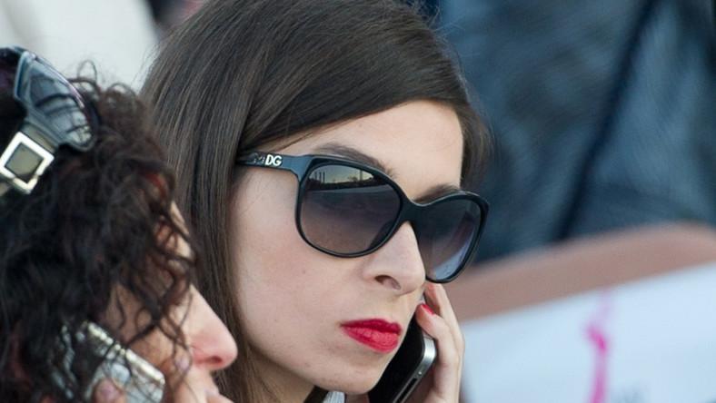 Marta Kaczyńska postanowiła zmienić swój wizerunek. W tym celu zatrudniła profesjonalnego stylistę.