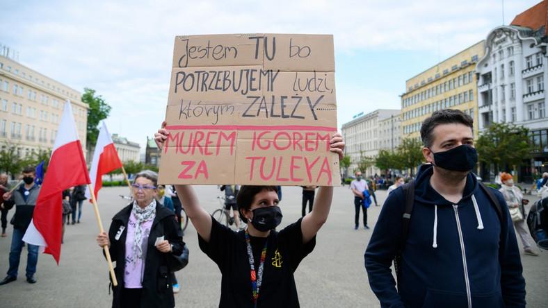Uczestnicy manifestacji Dziś Tuleya, jutro Ty