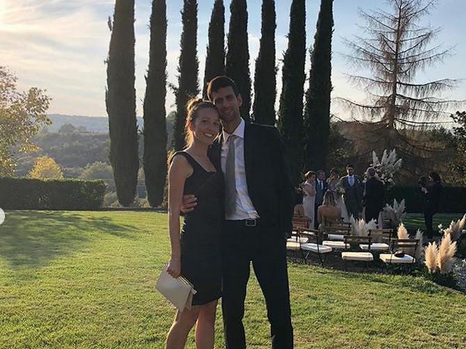 Jelena je za svadbu obukla NAJKRAĆU HALJINU U KOJOJ SMO JE IKADA VIDELI: Sada ceo modni svet priča o OVOM NJENOM IZDANJU! Dopada li vam se?