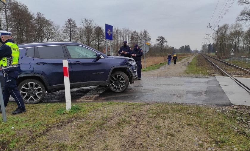 Groźna sytuacja na przejeździe w Giezkowie.
