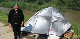 Muszę mieszkać w namiocie