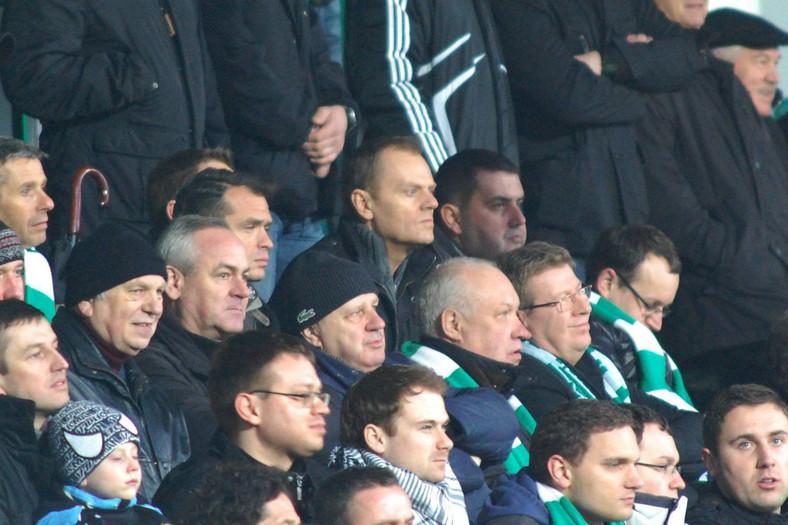 Donald Tusk i Ryszard Milewski na meczu Lechii Gdańsk. 1 kwietnia 2011