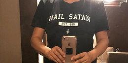"""Chciała polecieć w koszulce """"Hail Satan"""". Obsługa wstrzymała lot"""