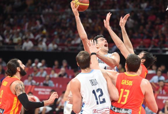 Odbrana Španije najbolja je na prvenstvu, čemu može da svedoči Skola posle ovog duela