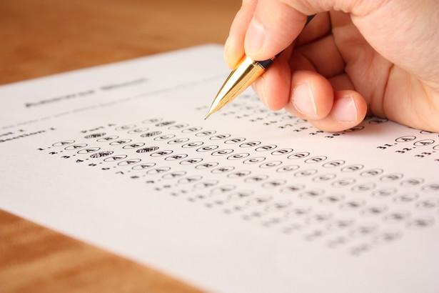 Przed wprowadzeniem zmian egzaminy teoretyczne w większości ośrodków zdawało 70 procent kandydatów na kierowców.