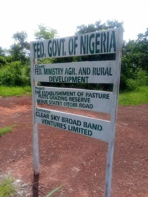 A signpost indicating a Ruga settlement project in Benue State [Twitter/@idomavoice]