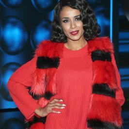 Aleksandra Szwed w czerwonej sukience. Ale jej pasuje ten kolor!