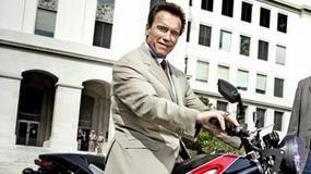 Arnold Schwarzenegger na elektrycznym motocyklu