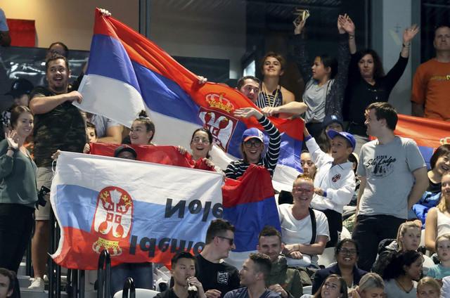 Srpski navijači na među Novak Đoković - Jan-Lenard Štruf u 1. kolu Australijan opena