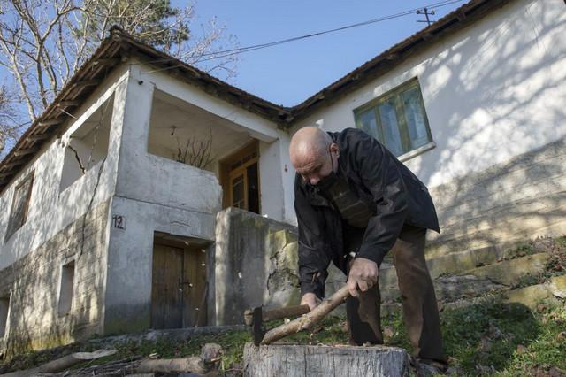 kosovo Fadil Rama i Blagica Dicic 02 foto Tanjug AP Visar Kryeziu