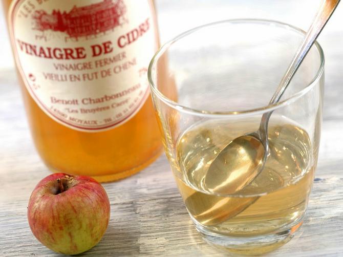 Probala sam da 7 dana čim ustanem pijem jabukovo sirće: Evo šta se sve PROMENILO NA MENI zbog toga