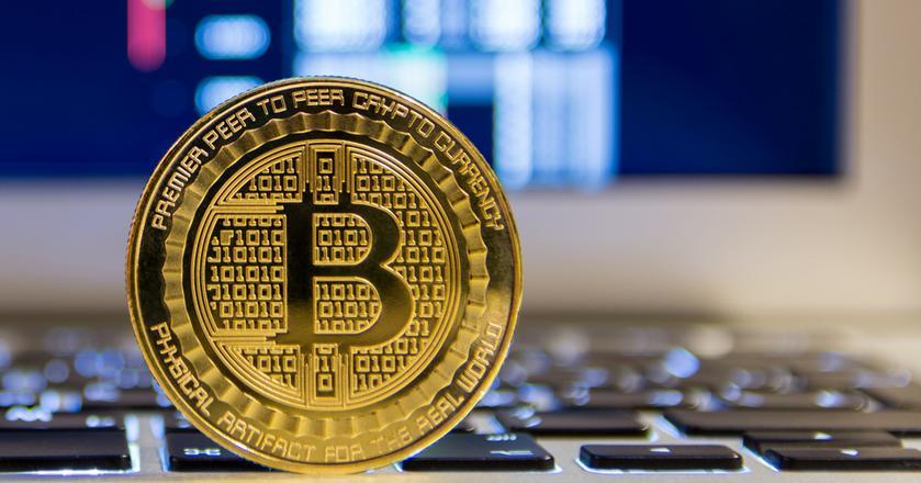 W grudniu bitcoin kosztował ponad 20 tys. dolarów. Teraz jest o połowę tańszy