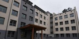 Minister odwołał dyrektora szpitala tymczasowego. O co poszło?
