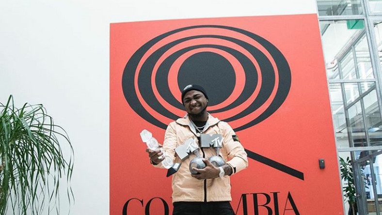Davido's 'Fall' goes gold in the US and Canada. (Jaguda)
