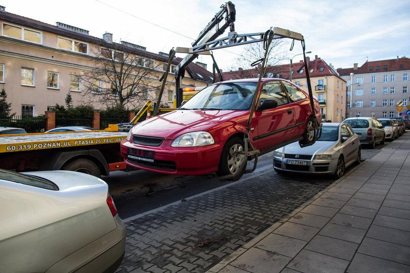 Usuwają wraki z ulic Poznania
