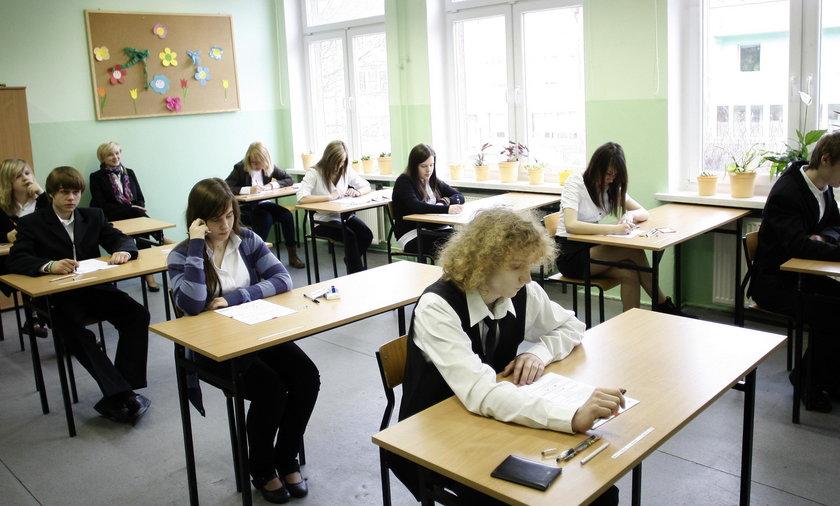 Egzamin Gimnazjalny 2018:Część humanistyczna na żywo