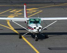 Małe samoloty, zabierające do 19 pasażerów, mogą być alternatywą dla biznesowych i turystycznych podróży w miejsca, do których czas dotarcia samochodem jest zbyt długi