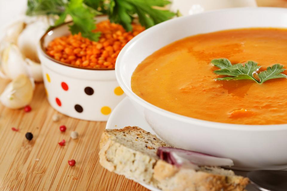 Zupa z soczewicy, składniki na 8 porcji