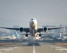 Obecnie liczba pasażerów samolotów wynosi około 4 mld rocznie. Za niespełna 20 lat ma być dwukrotnie większa - to wyzwanie dla branży, rządów i przemysłu