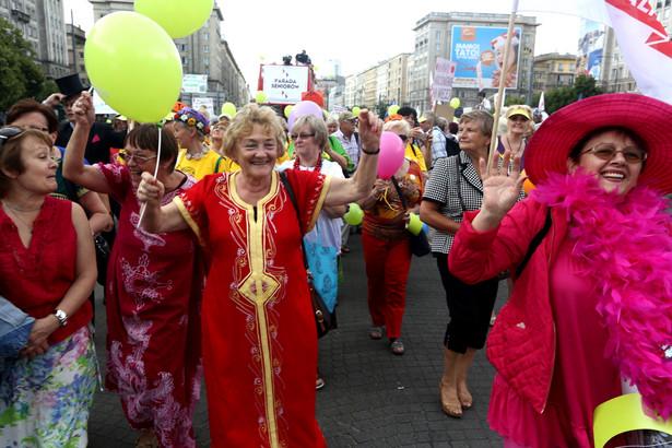 Parada Seniorów 2014 w Warszawie. Fot. PAP/Tomasz Gzell